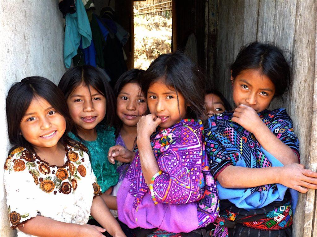 niñas guatemaltecas